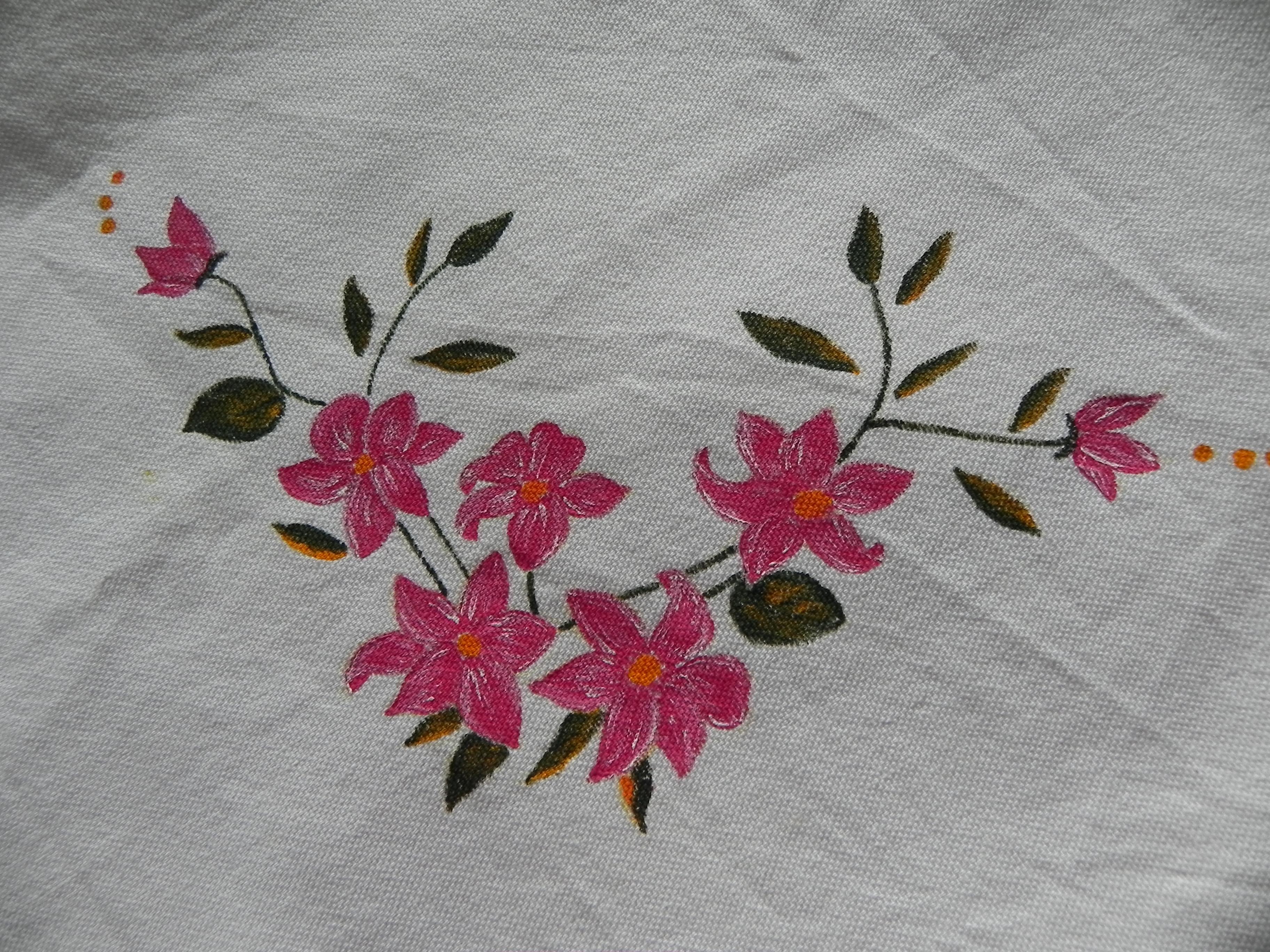 Pintura en tela otro mantela painted tablecloth Tijeras y cuchara