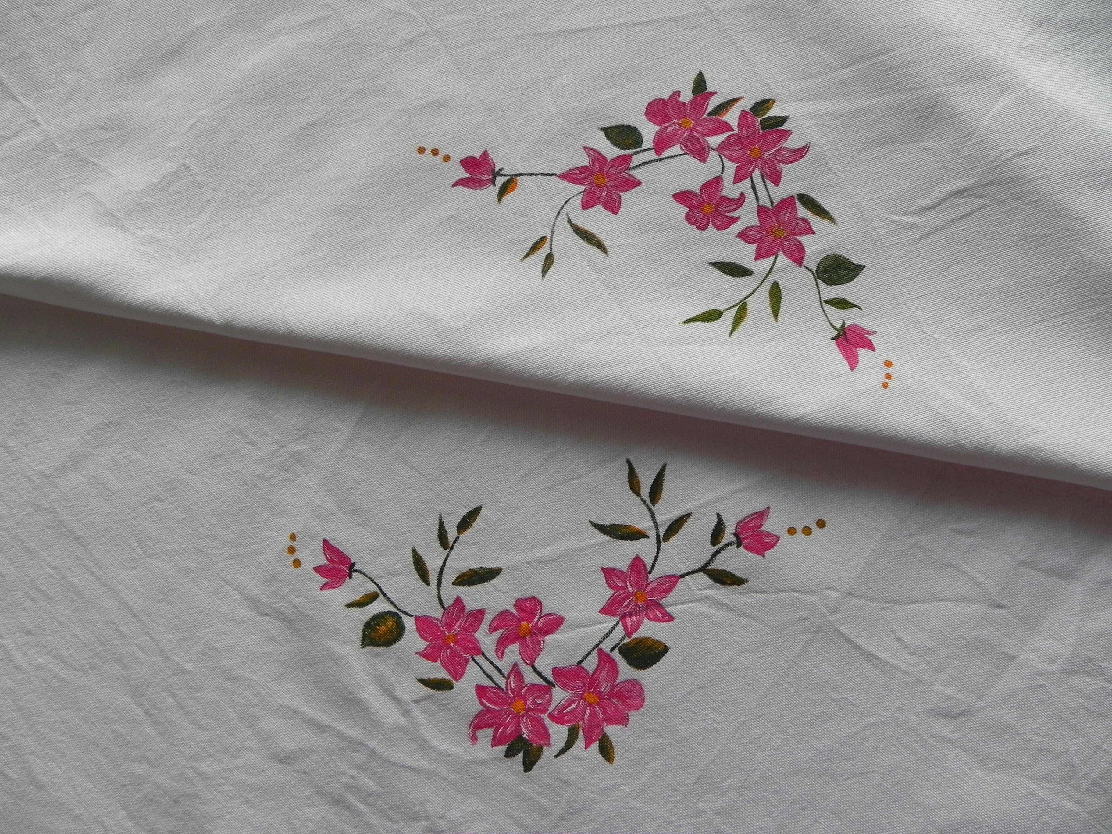 Pintura en tela otro mantel a painted tablecloth tijeras y cuchara - Dibujos para pintar en tela ...