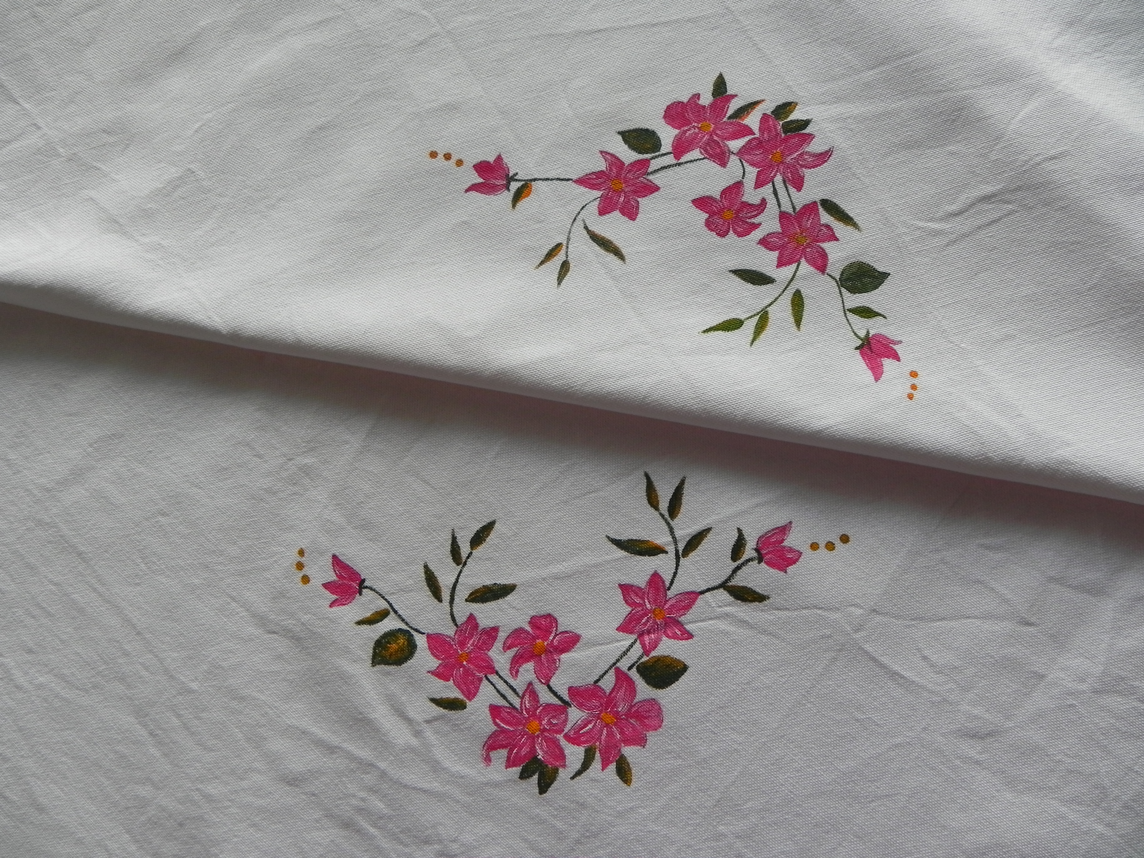 Pintura en tela otro mantel a painted tablecloth - Pintura en tela motivos navidenos ...