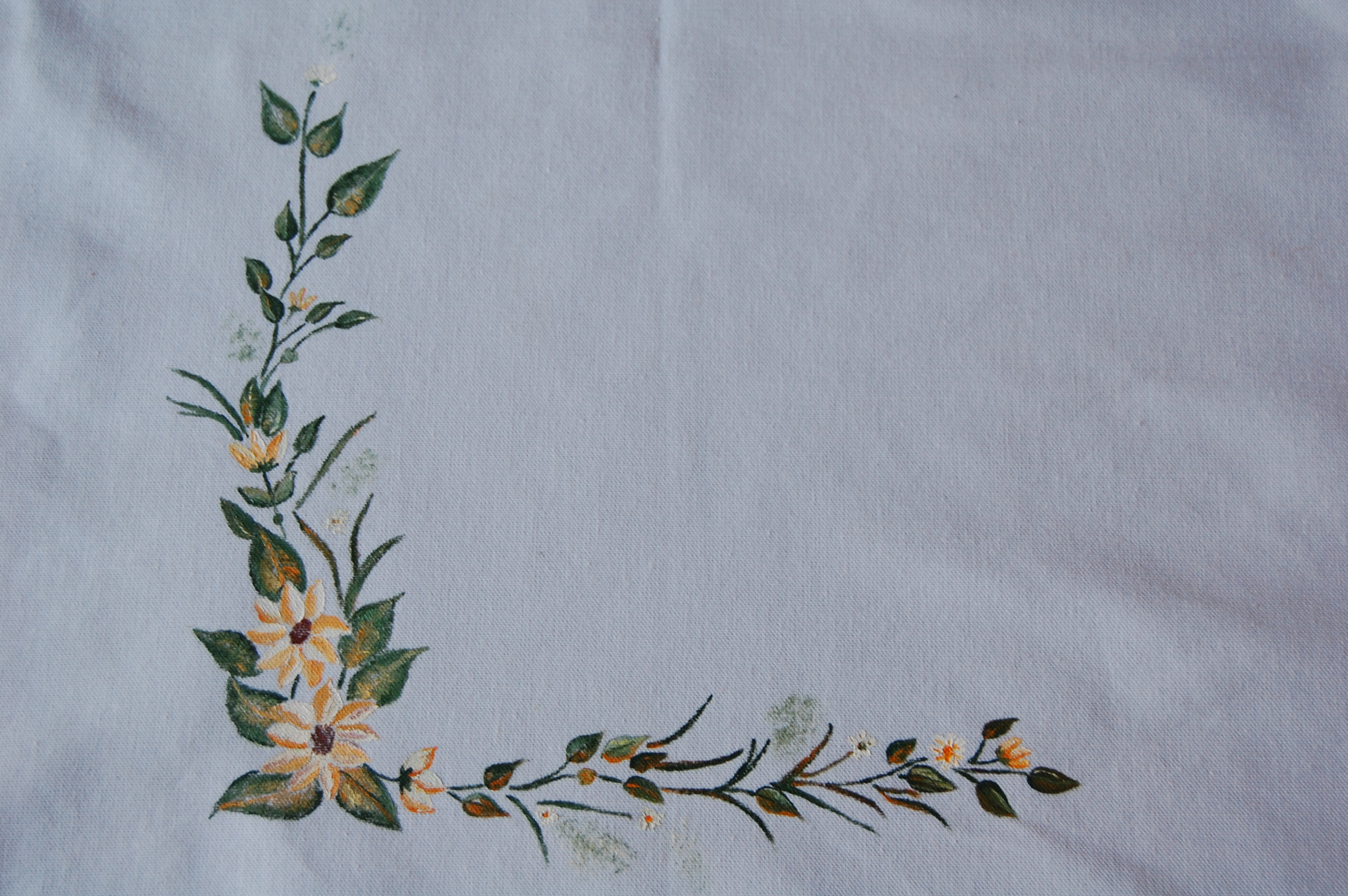 Pintura en tela un mantel paint on fabric a tablecloth tijeras y cuchara - Dibujos para pintar en tela ...