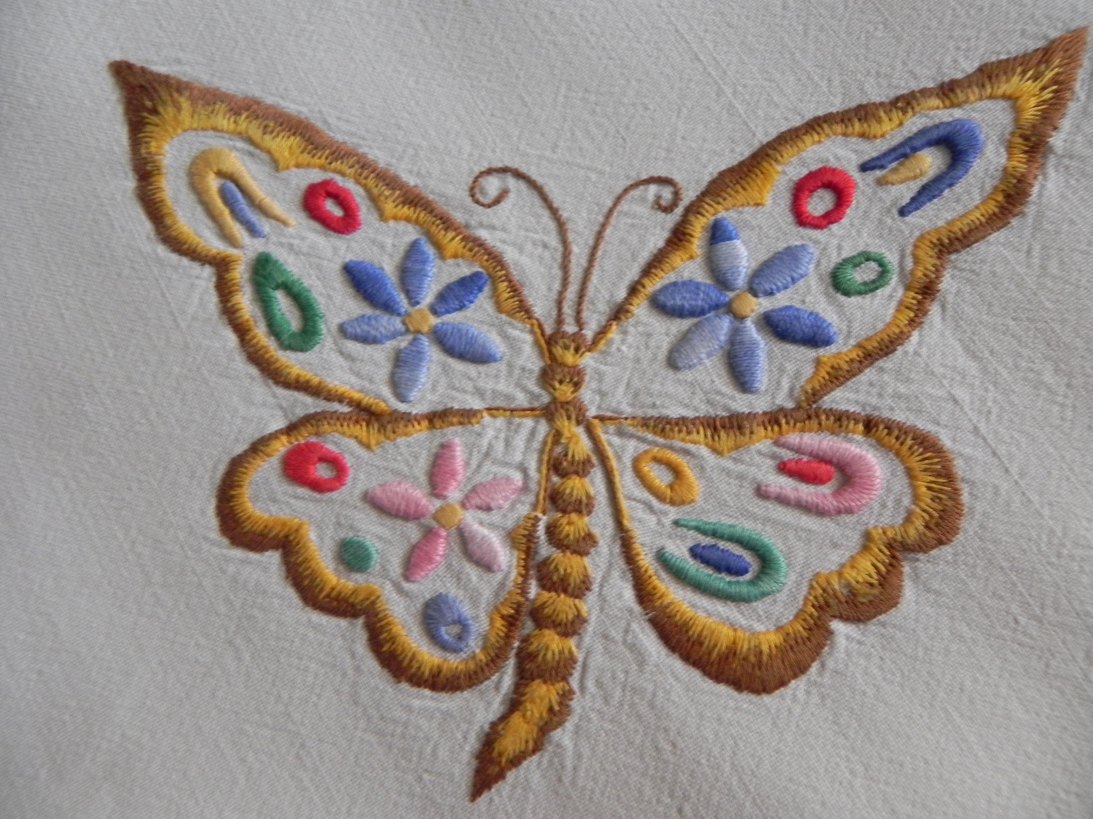 Manualidades laurita: servilletas bordadas a mano.
